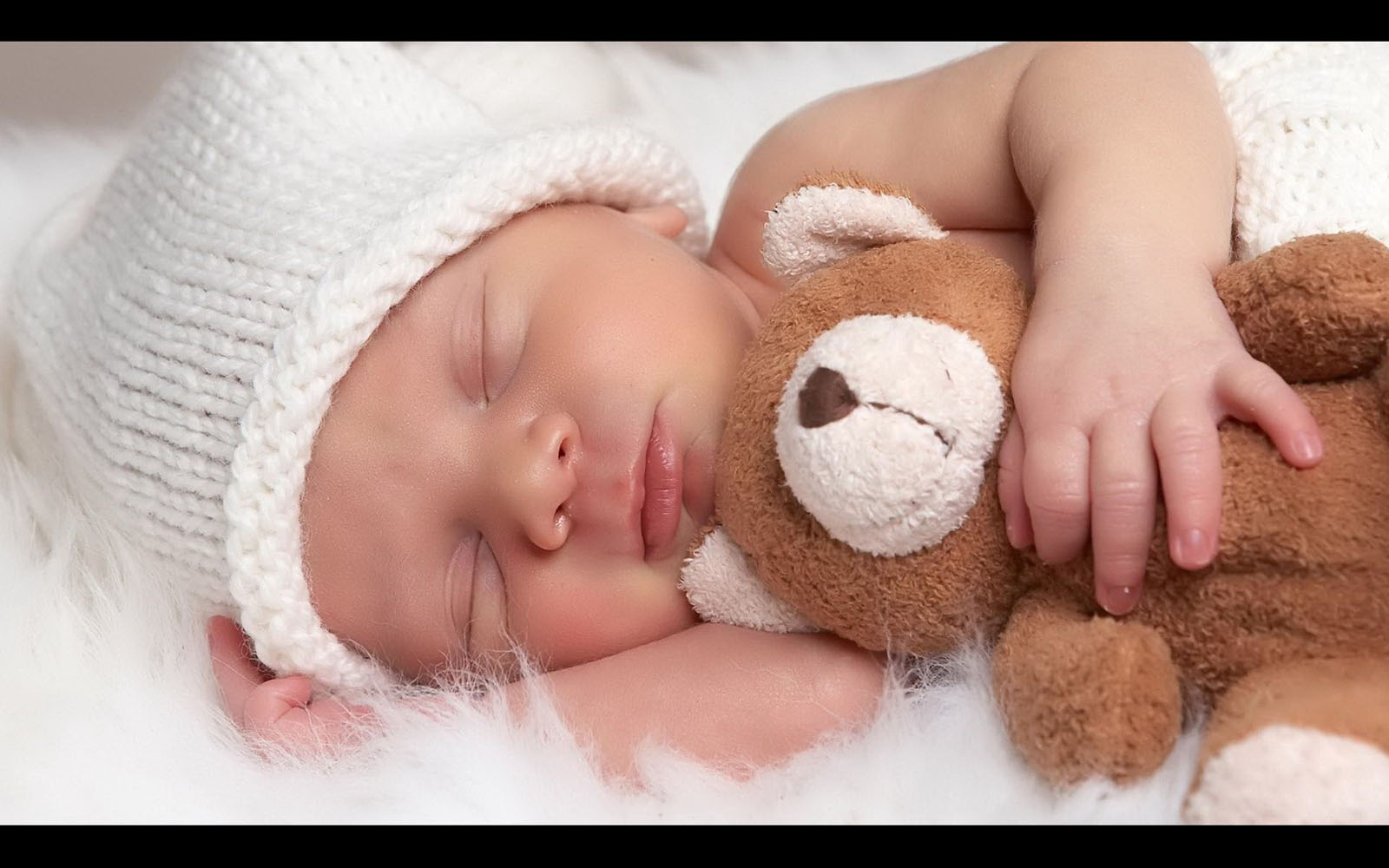 Cute Babies Hd Wallpapers Desktop Wallpapers Online 1600x1000
