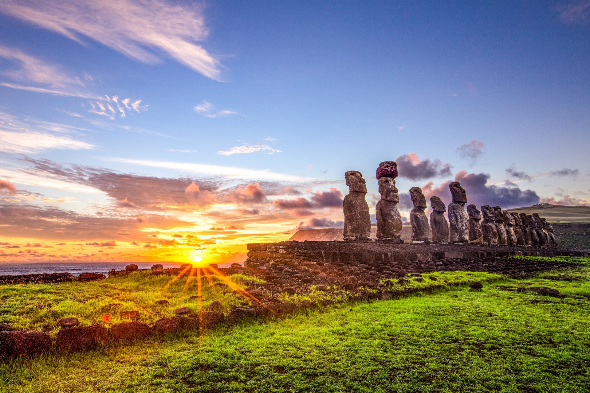 p81 Easter Island Wallpaper Easter Island Widescreen Pics 1920x1280