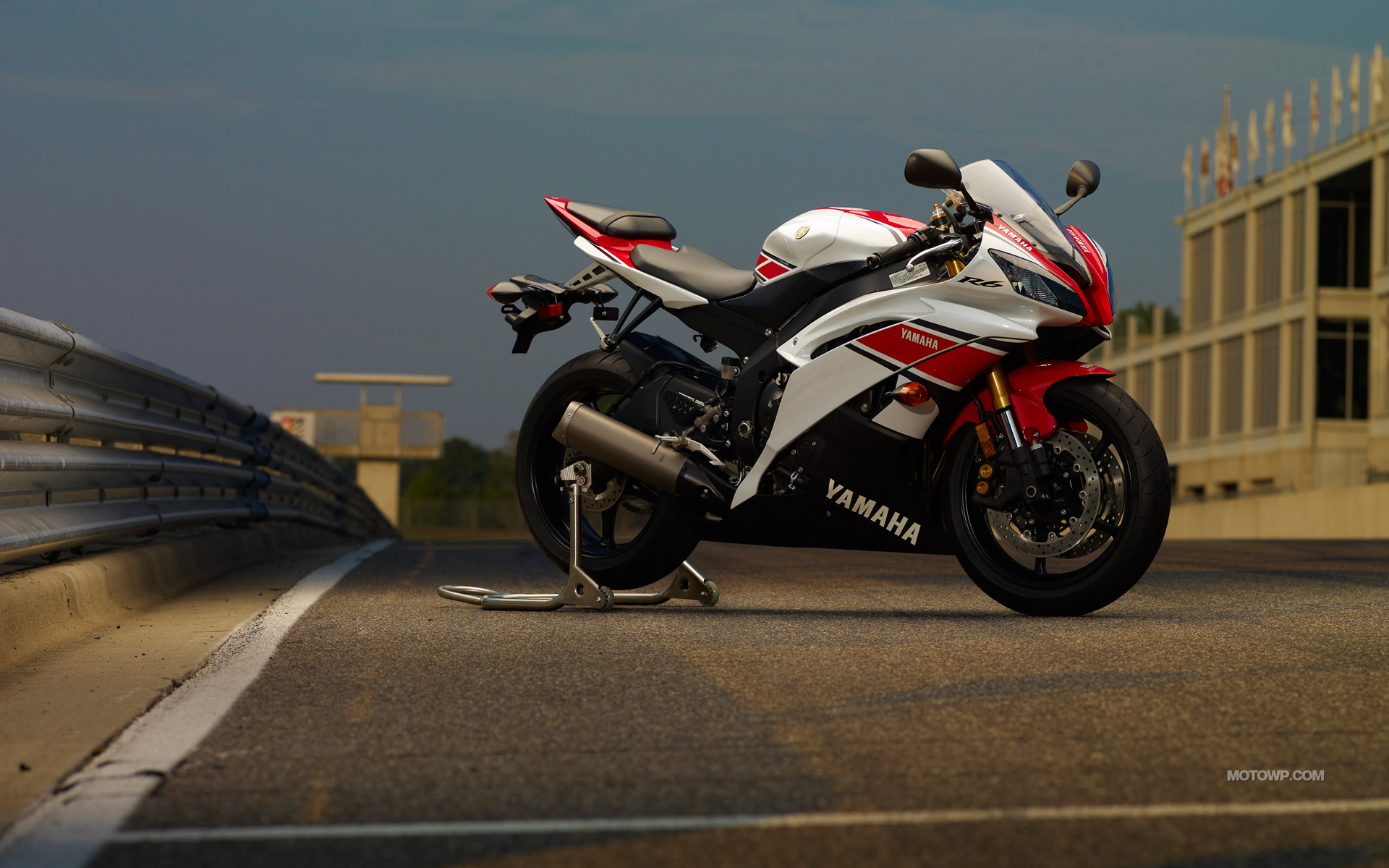 HD Yamaha Wallpaper Background Images For Download 1920x1200