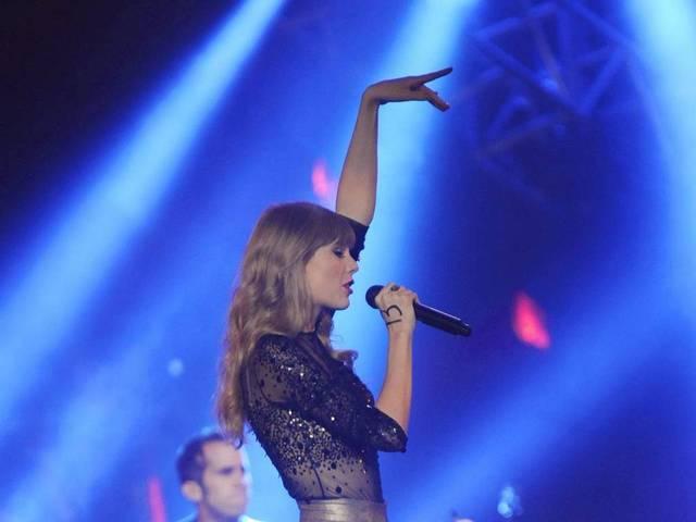 Taylor Swift 2015 Wallpaper 640x480