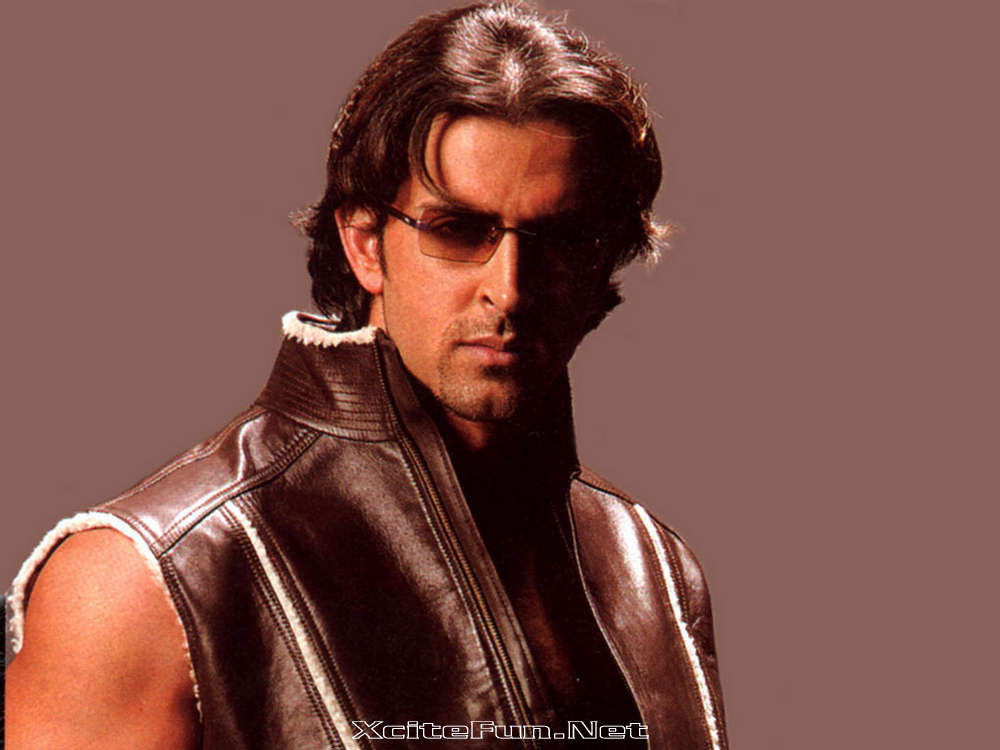 Fashion Pictures wallpapers of hrithik roshan in dhoom 2 1000x750