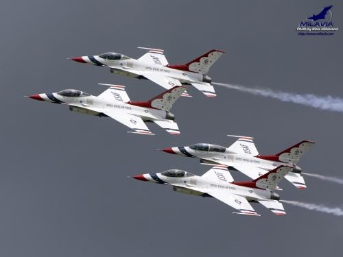 usaf thunderbirds u s air force thunderbirds demonstration team at the 500x375