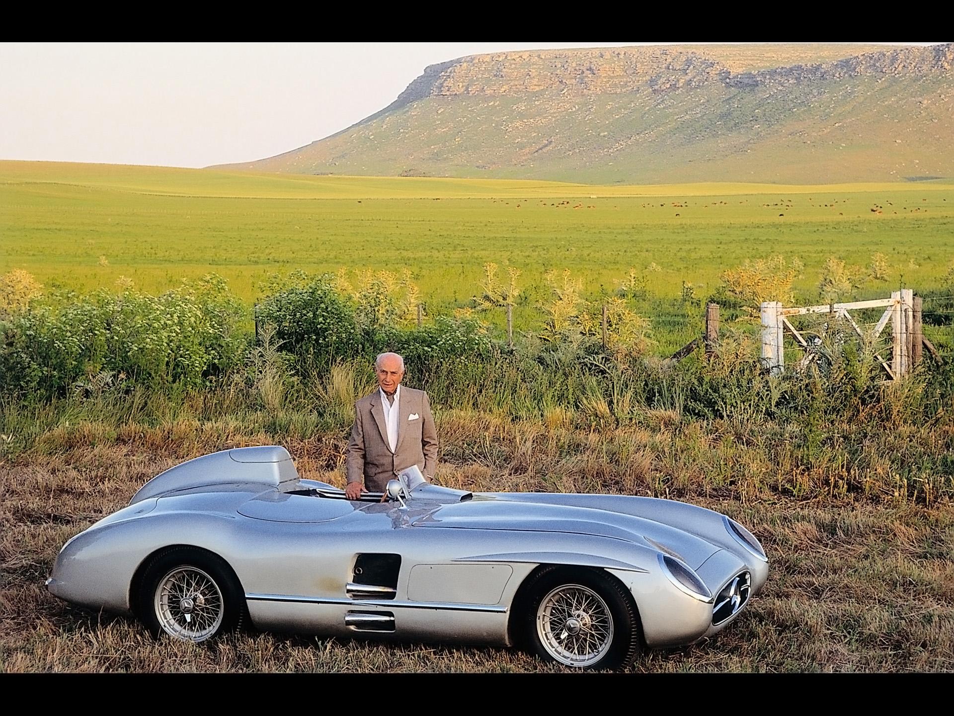 Mercedes Benz and Juan Manuel Fangio   1955 Mercedes Benz 300 SLR 1920x1440