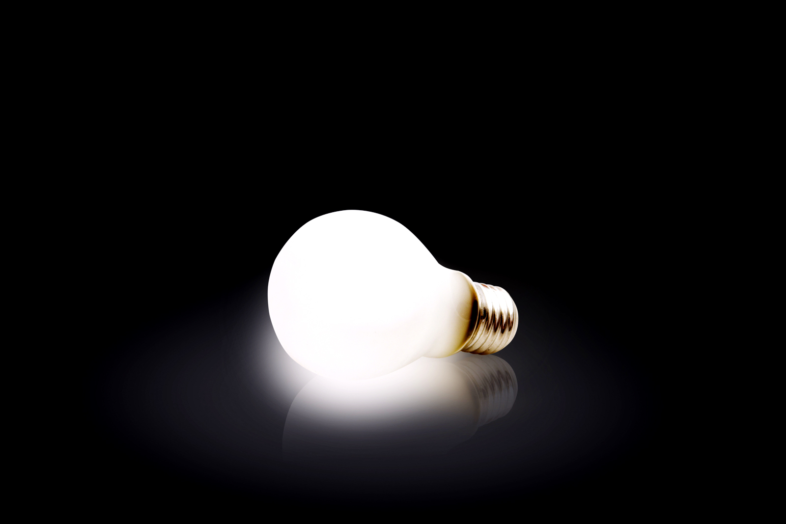 Light Bulb HD Wallpapers Stock Photos Download Wallpapers in HD 1600x1067