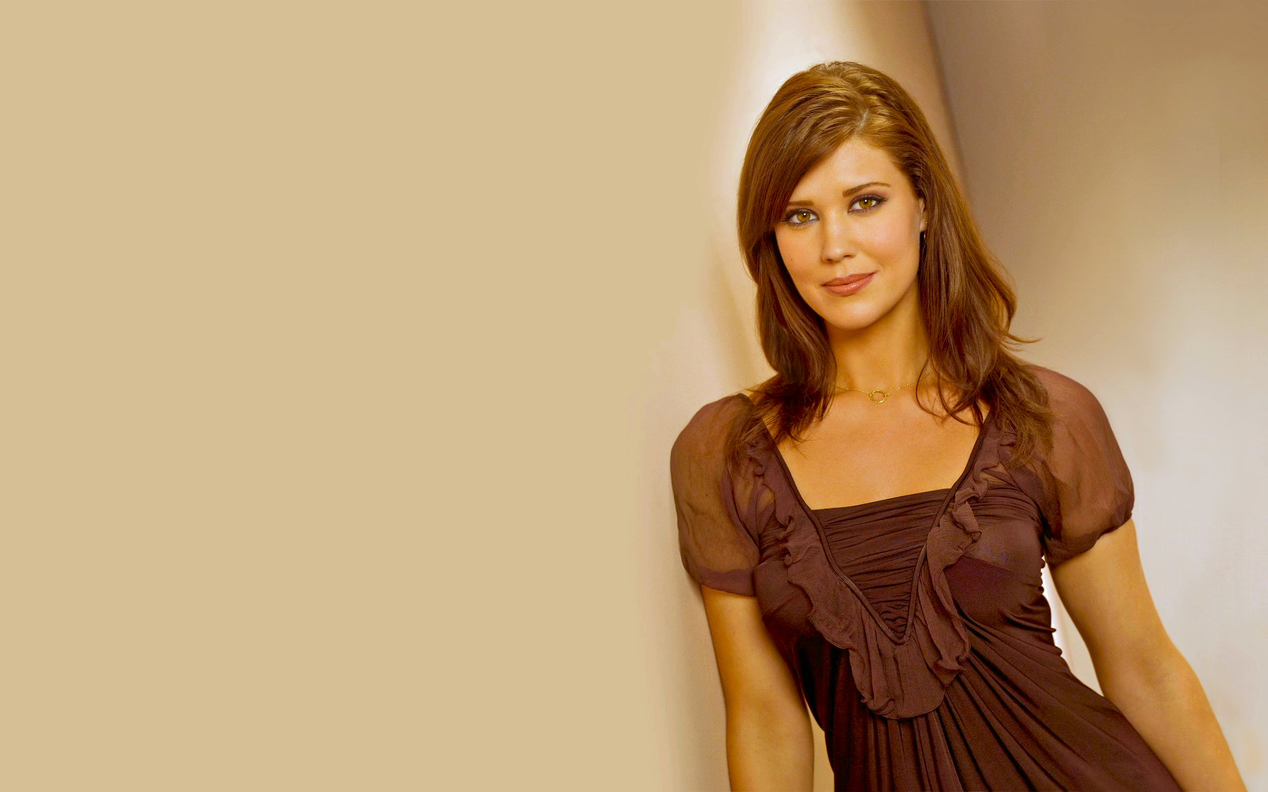 Sarah Lancaster Wallpapers GotCeleb Wallpapers 2560x1600