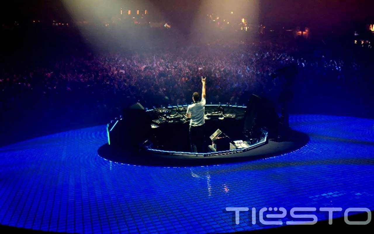 Dj Concert Wallpapers Dj tiesto in concert 1280x800