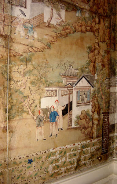 of the Chinese wallpaper with its imitation bamboo trellis border 383x600