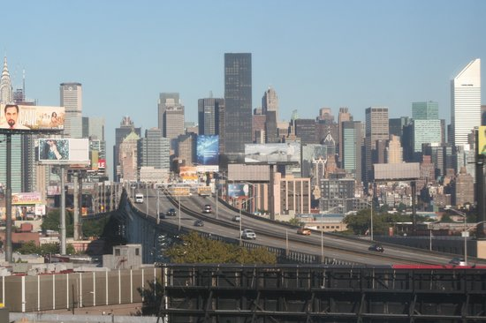 Long Island City Photos   Featured Images of Long Island City Queens 550x366