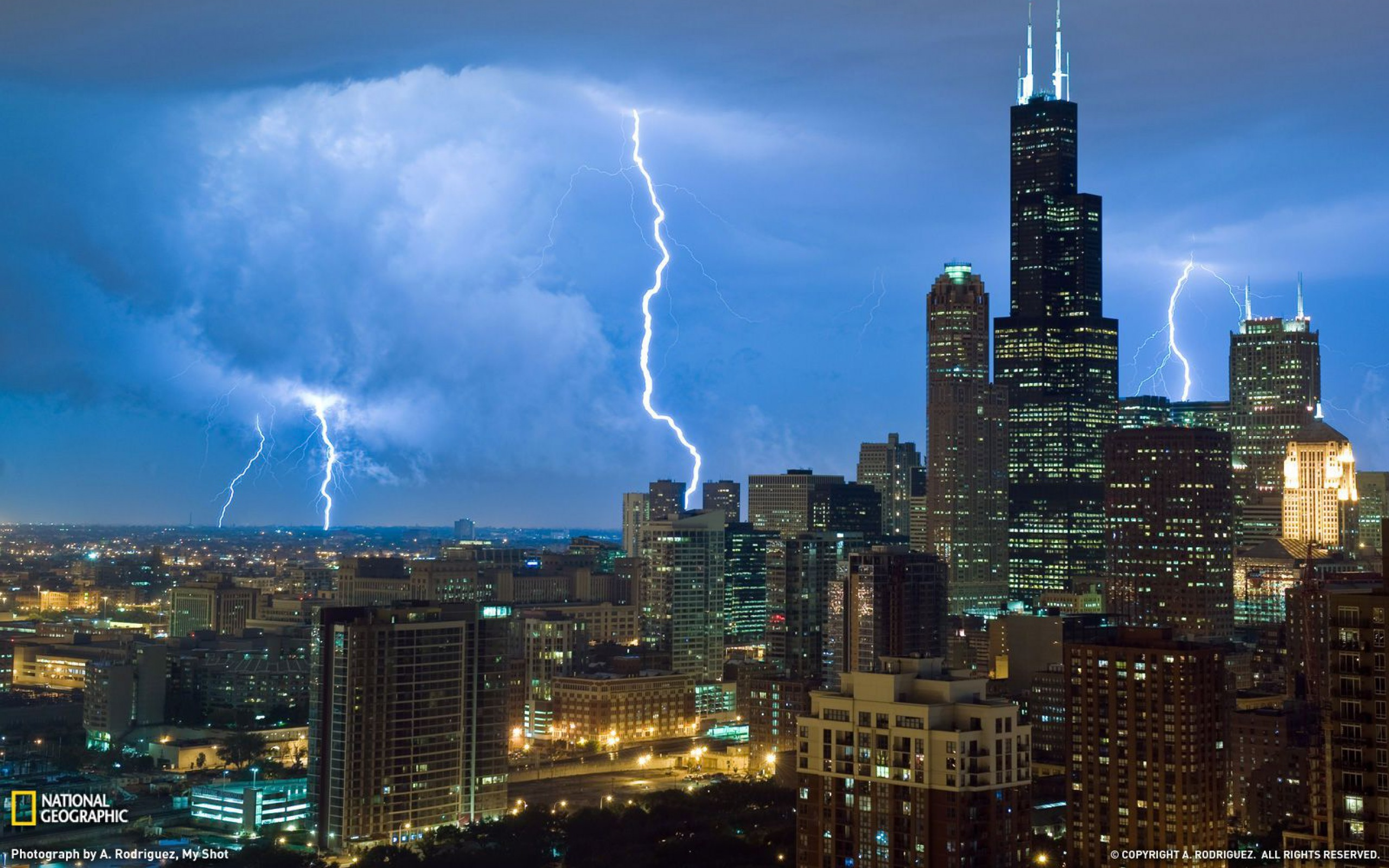 USA Chicago Illinois city skyscrapers lightning photo 2560x1600