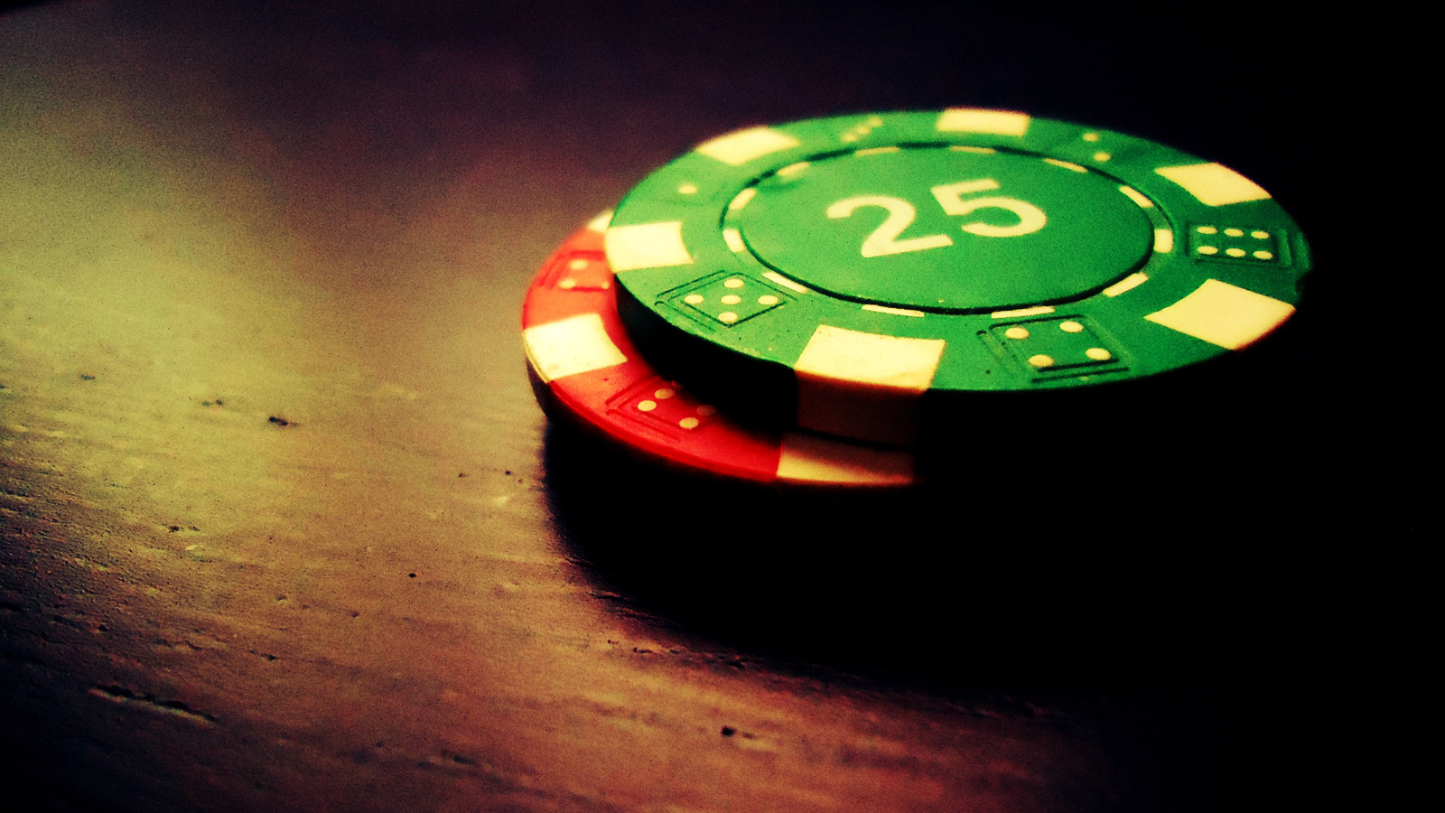 Poker Cards and Chips HD Wallpapers Download Wallpapers in HD for 1600x900