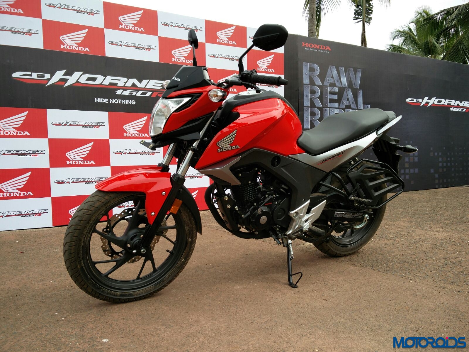 Bike sales December 2015 Honda 2 wheelers sell 306779 units 1600x1200