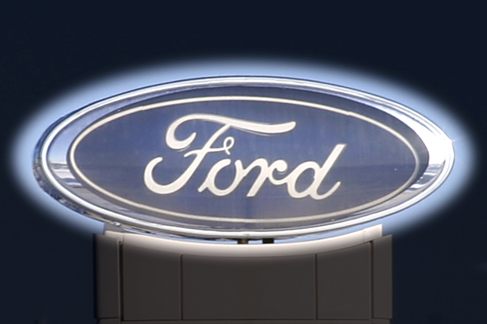 Ford Logo Wallpaper 960x640