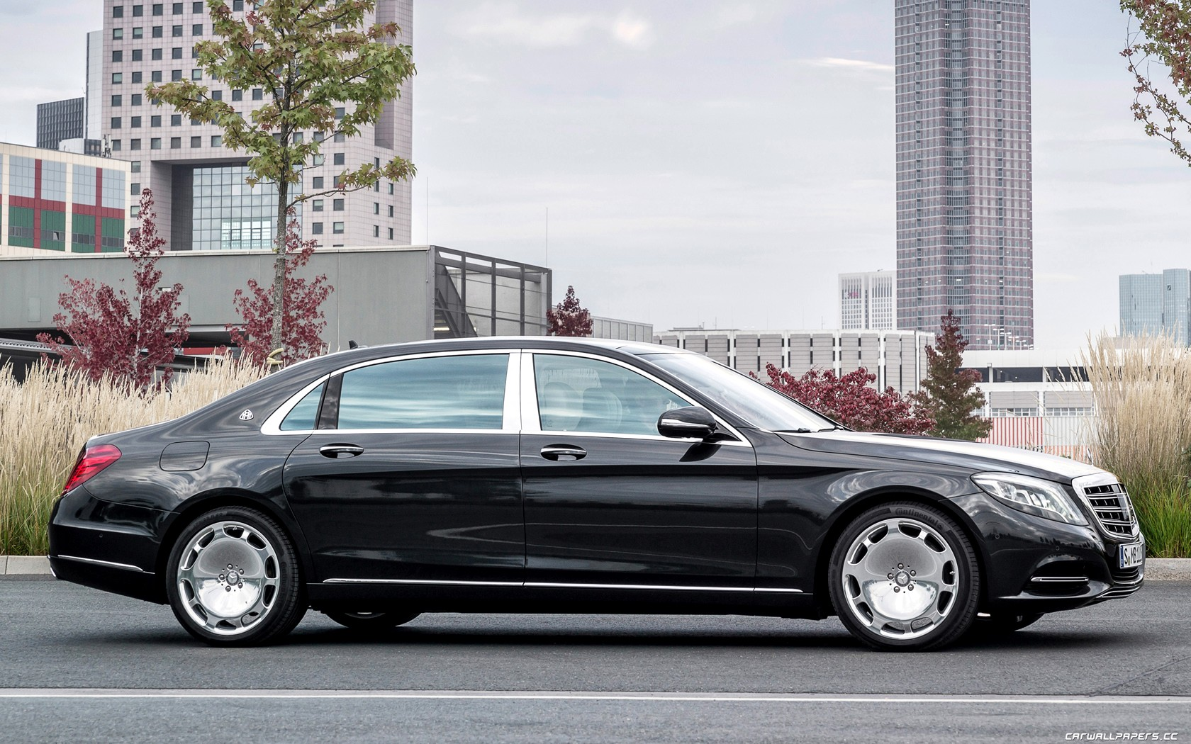 Mercedes Maybach S600 Wallpapers HD Download 1680x1050