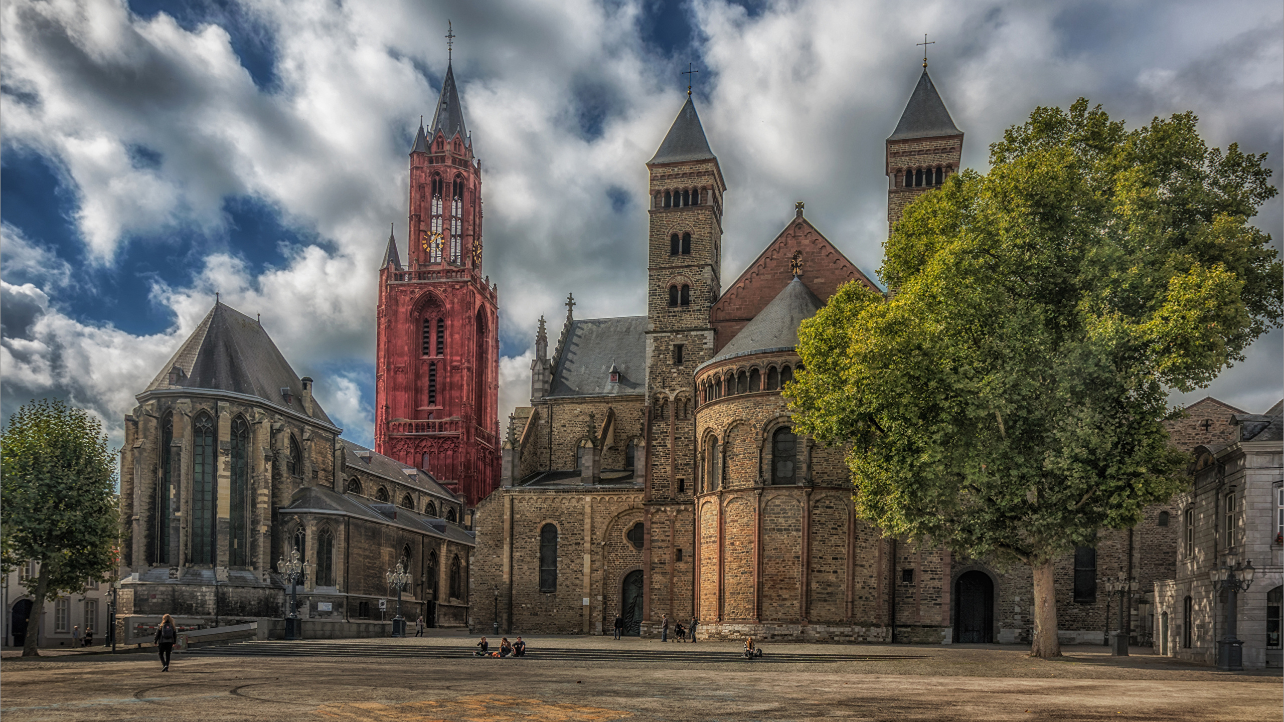 Image Church Netherlands Maastricht HDR Temples Cities 2560x1440 2560x1440