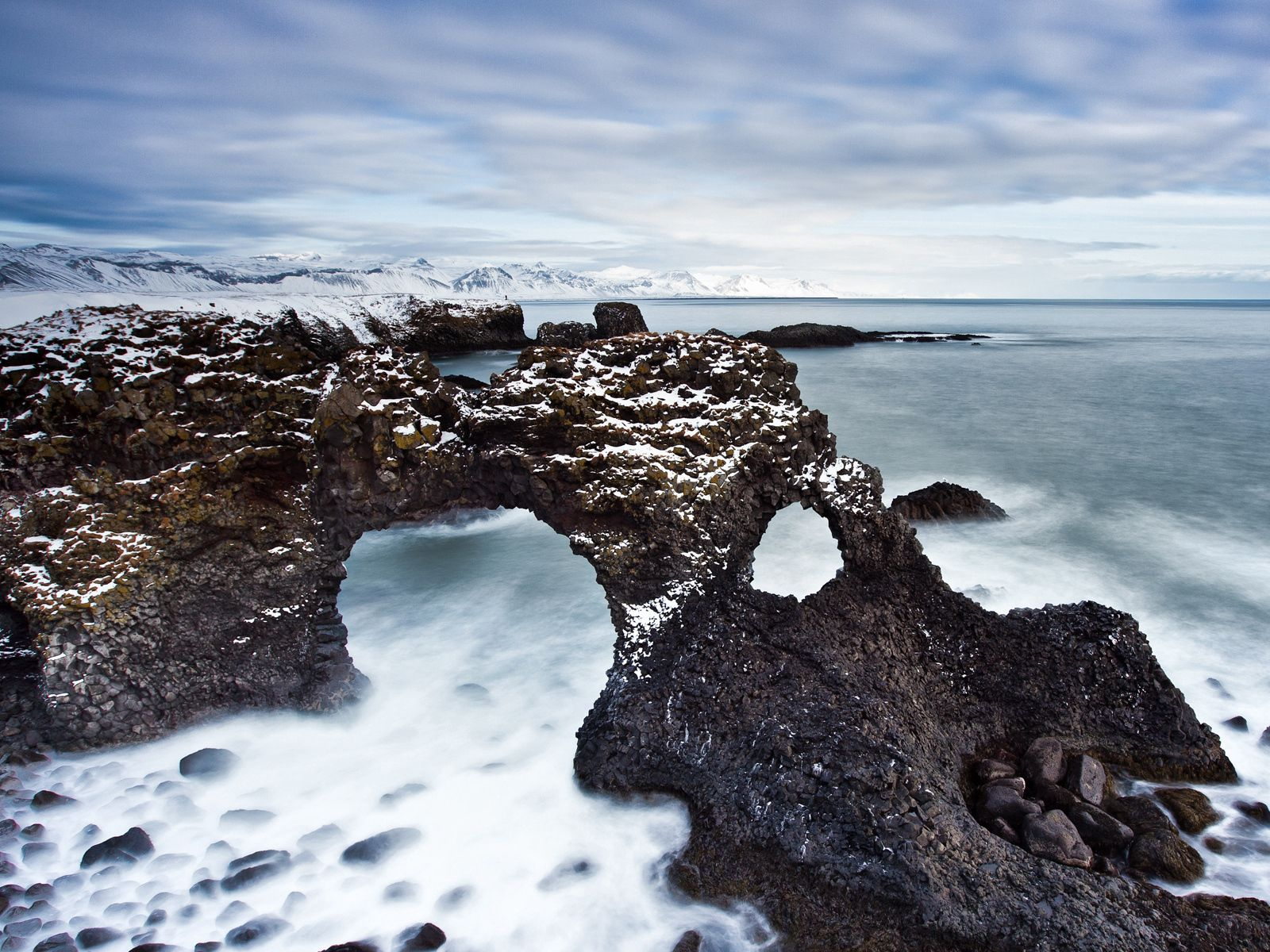 Download wallpaper 1600x1200 reeves arches stony coast cold 1600x1200