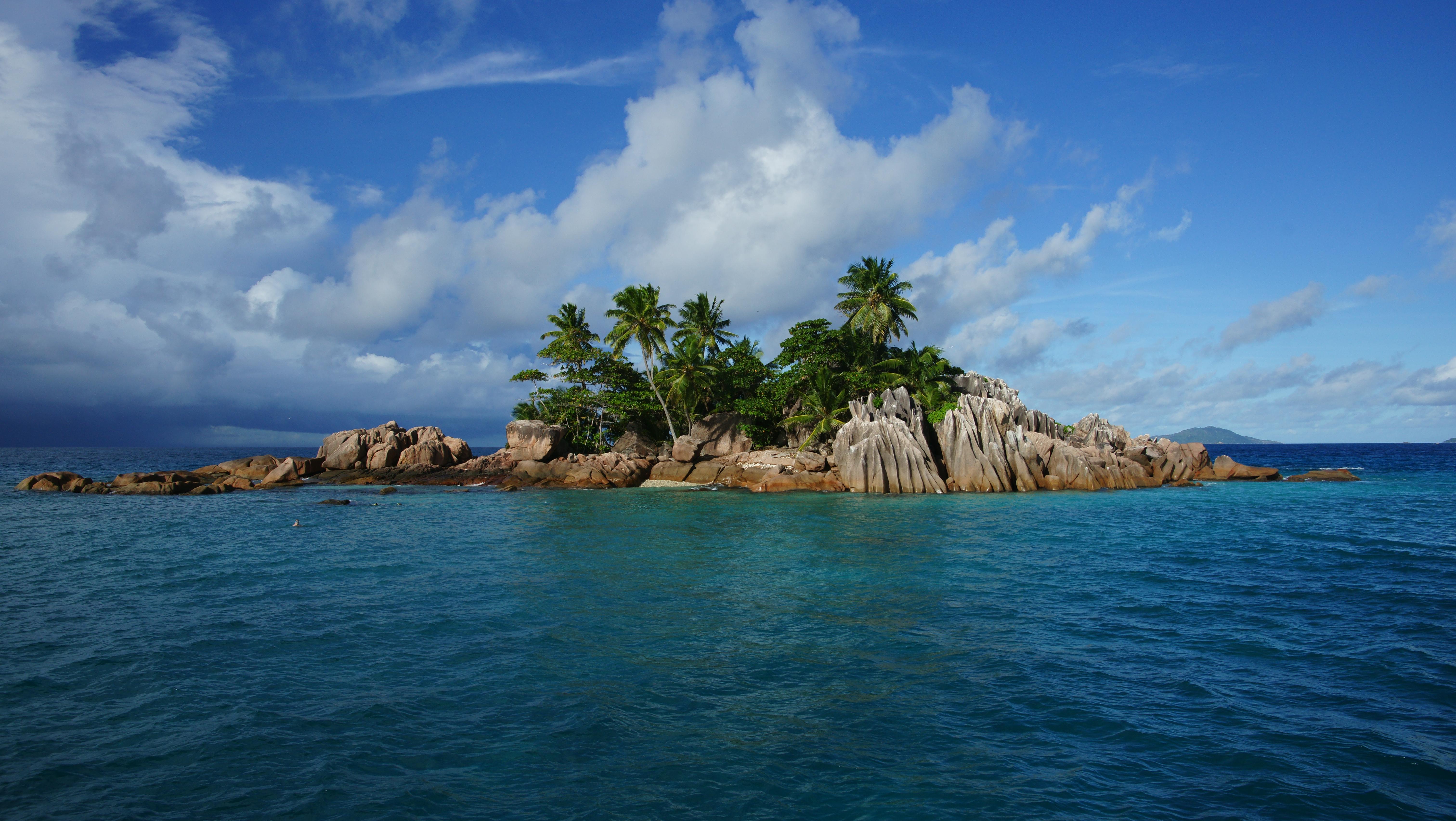 beautiful island 6048x3408