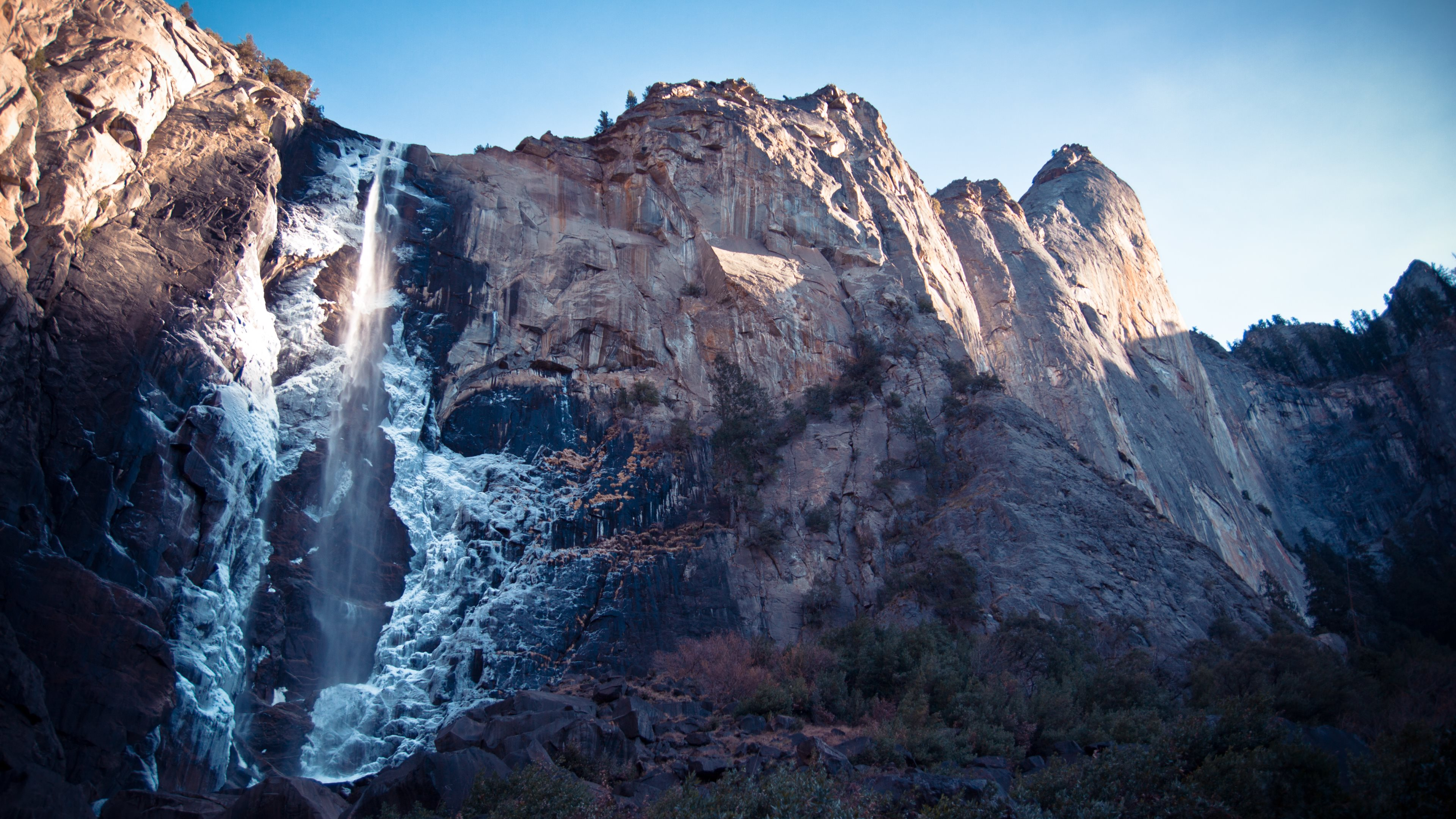 Bridalveil Falls Beautiful Waterfall Down a Cliff 4K Wallpaper jpg 3840x2160