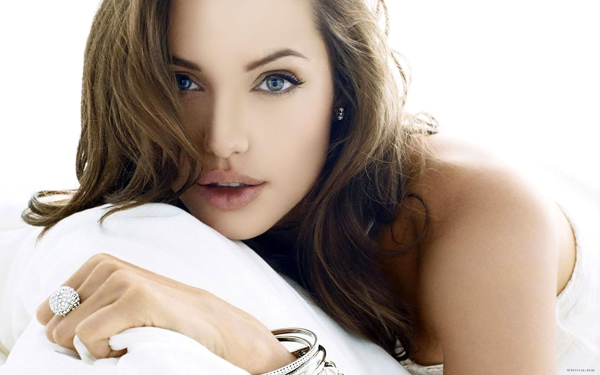 Hollywood Actress Angelina Jolie Sexy Wallpapers   All HD Wallpapers 1920x1200
