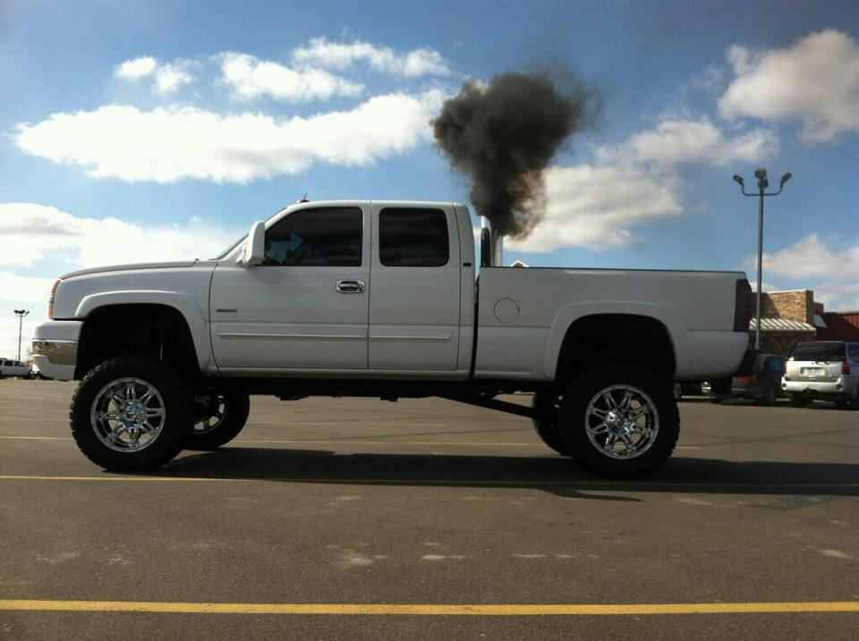Lifted Duramax Wallpaper My buddies duramax got put 960x717