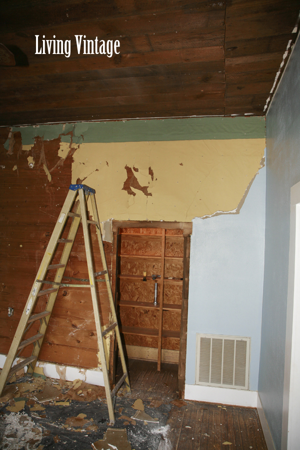 Tearing out the sheetrock revealed pretty wallpaper I regret not 600x900