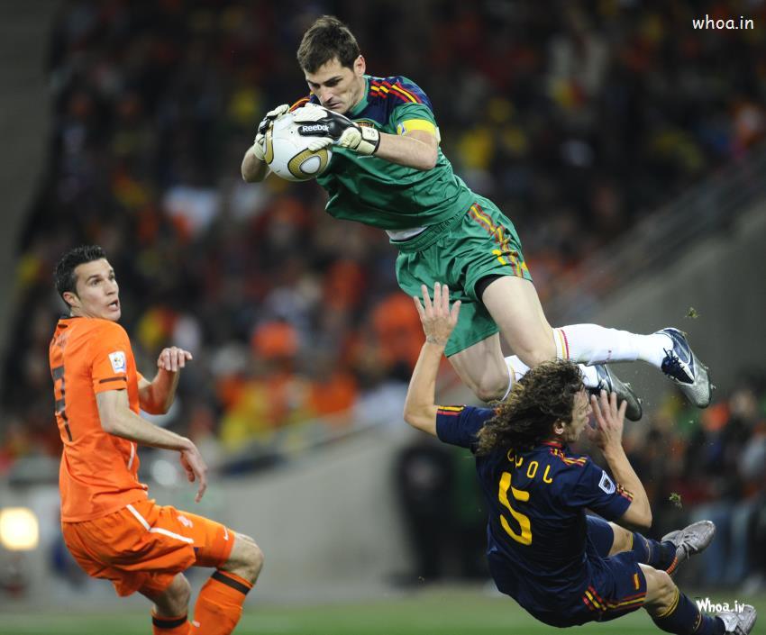 Iker Casillas Saves Ever Real Madrid Spain Goalkeeper HD Wallpaper 850x705