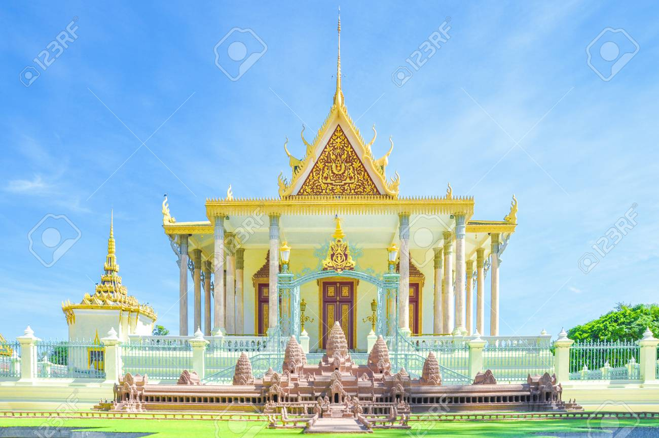 Phnom Penh Tourist Attraction And Famouse Landmark   Royal Palace 1300x863