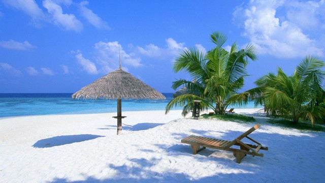 Click on image to open fullHD wallpaper - Maldives Beach HD 1920x1080