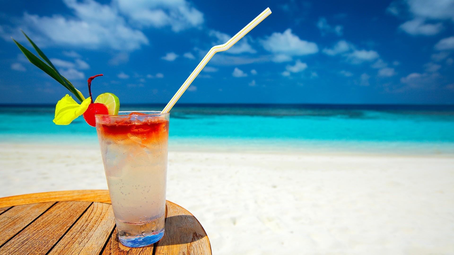 Tropical Beach Cocktail image photo 1920x1080