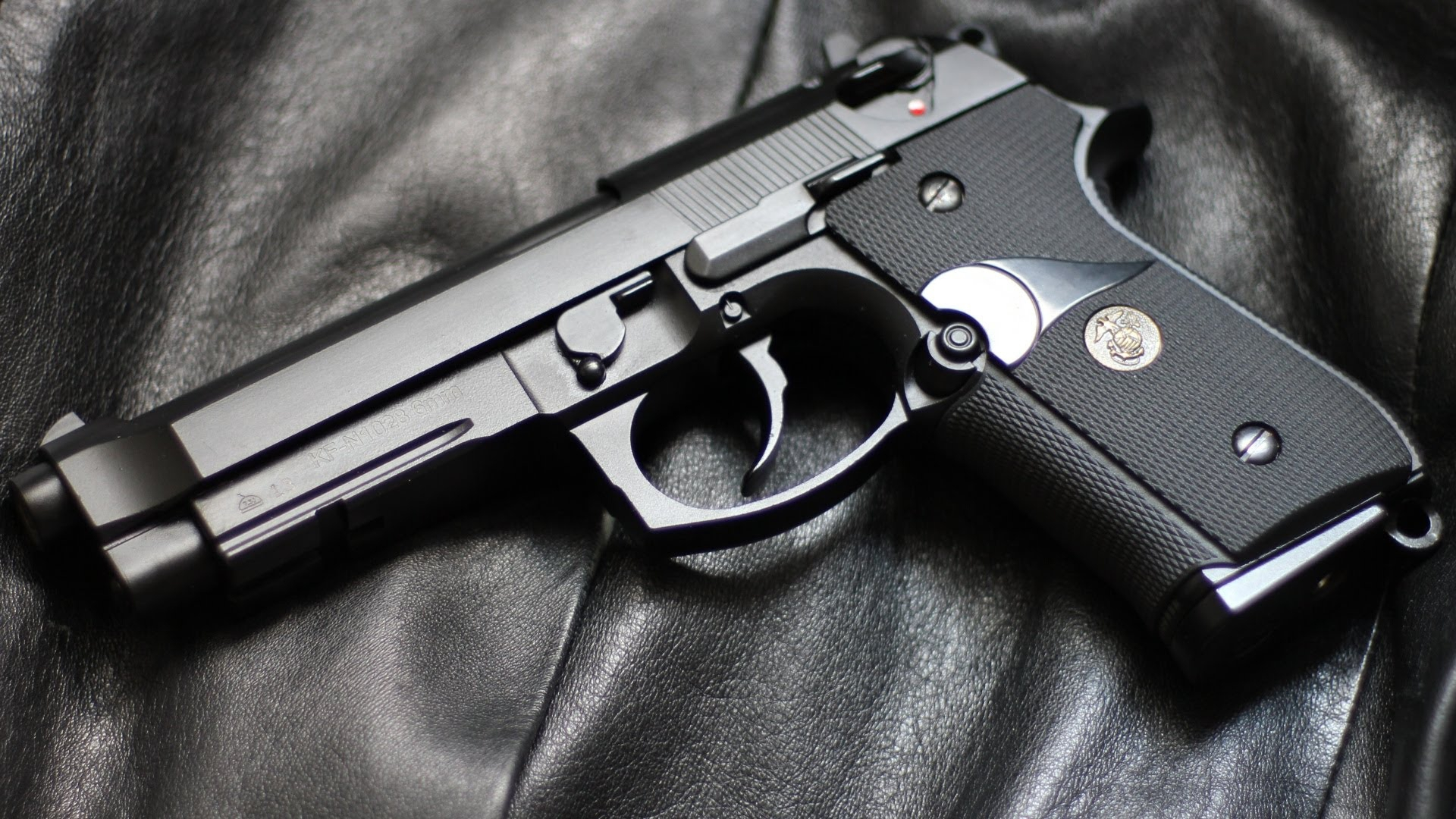 Beretta 92FS Wallpapers Images Photos Pictures Backgrounds 1920x1080