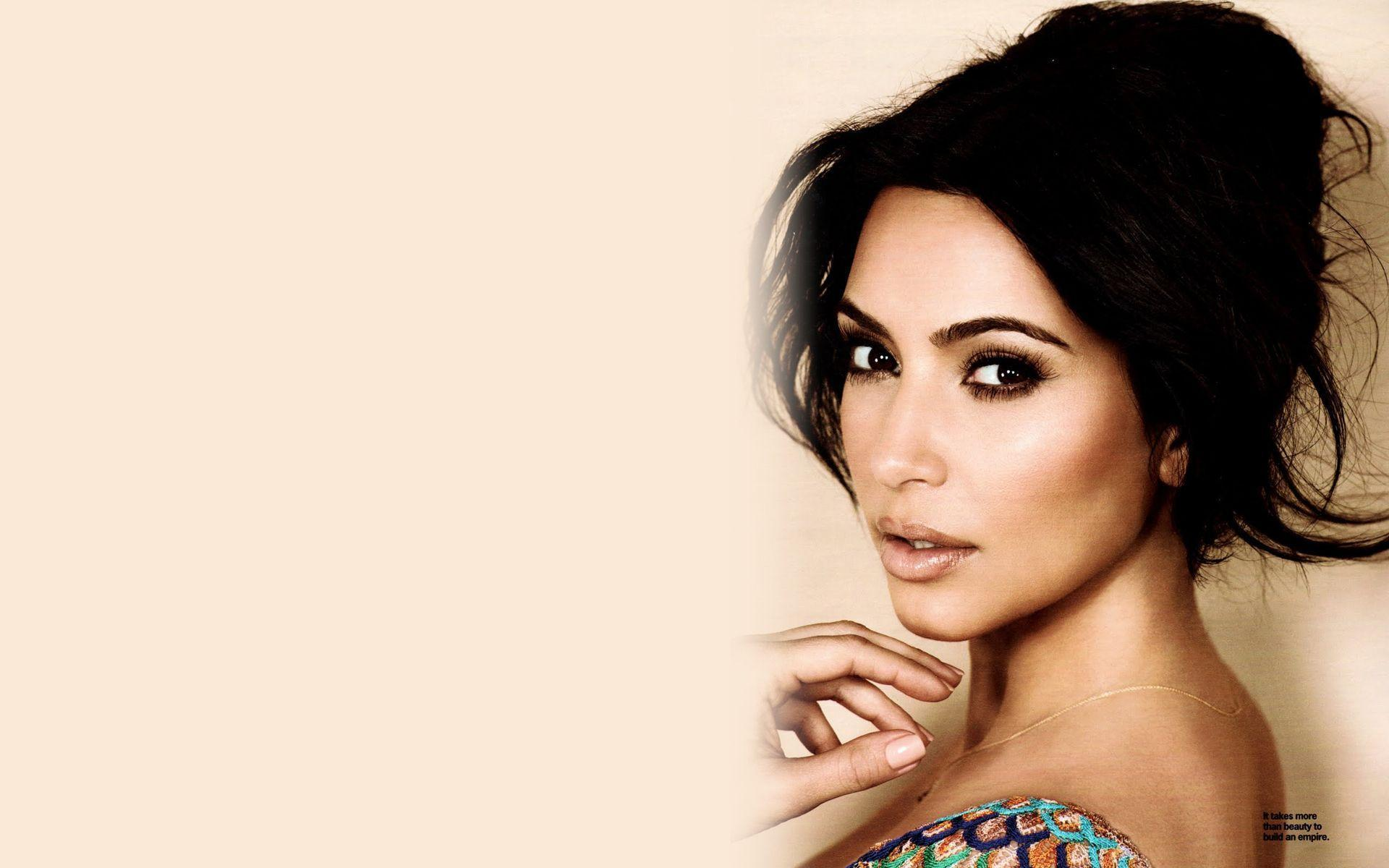 Kim Kardashian Backgrounds 1920x1200