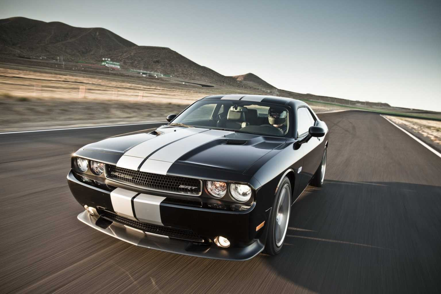 Dodge Challenger 2014 SRT8   wallpaper 1535x1024