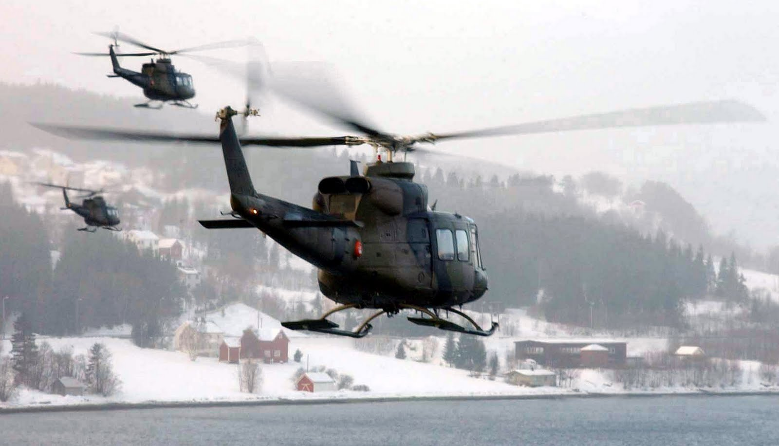 Bell 412 Helicopter by cool wallpapers 1600x916