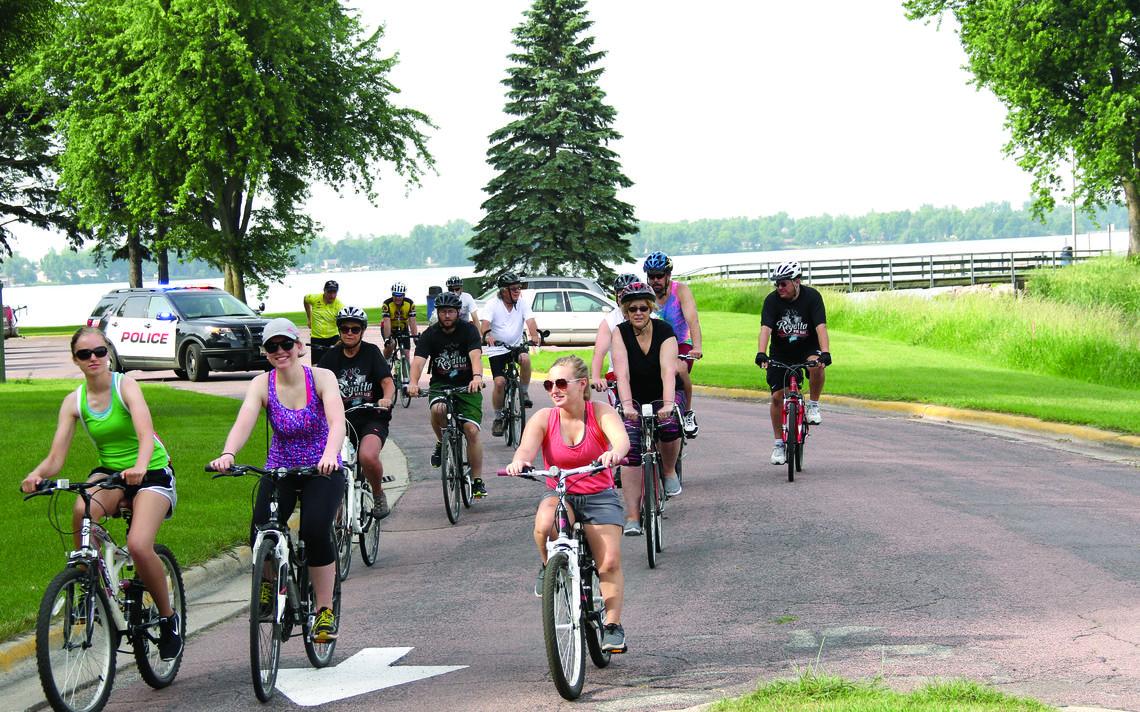 Centennial Park pedestrian bridge planned this season The Globe 1140x712
