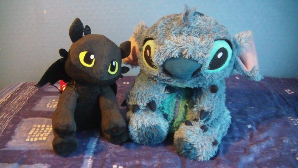 Toothless and Stitch by Chris Dilke 1024x576
