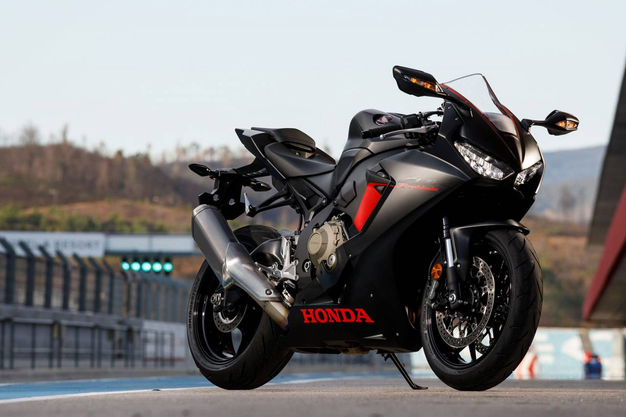 Customers Motorcycle cbr 1000 rrs HONDA CBR1000RR Fireblade 1280x853