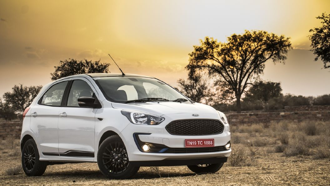 Ford Figo Photo Facelift Right Front Three Quarter Image   CarWale 1056x594