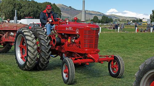 International Harvester Logo >> Farmall Tractor Wallpaper - WallpaperSafari