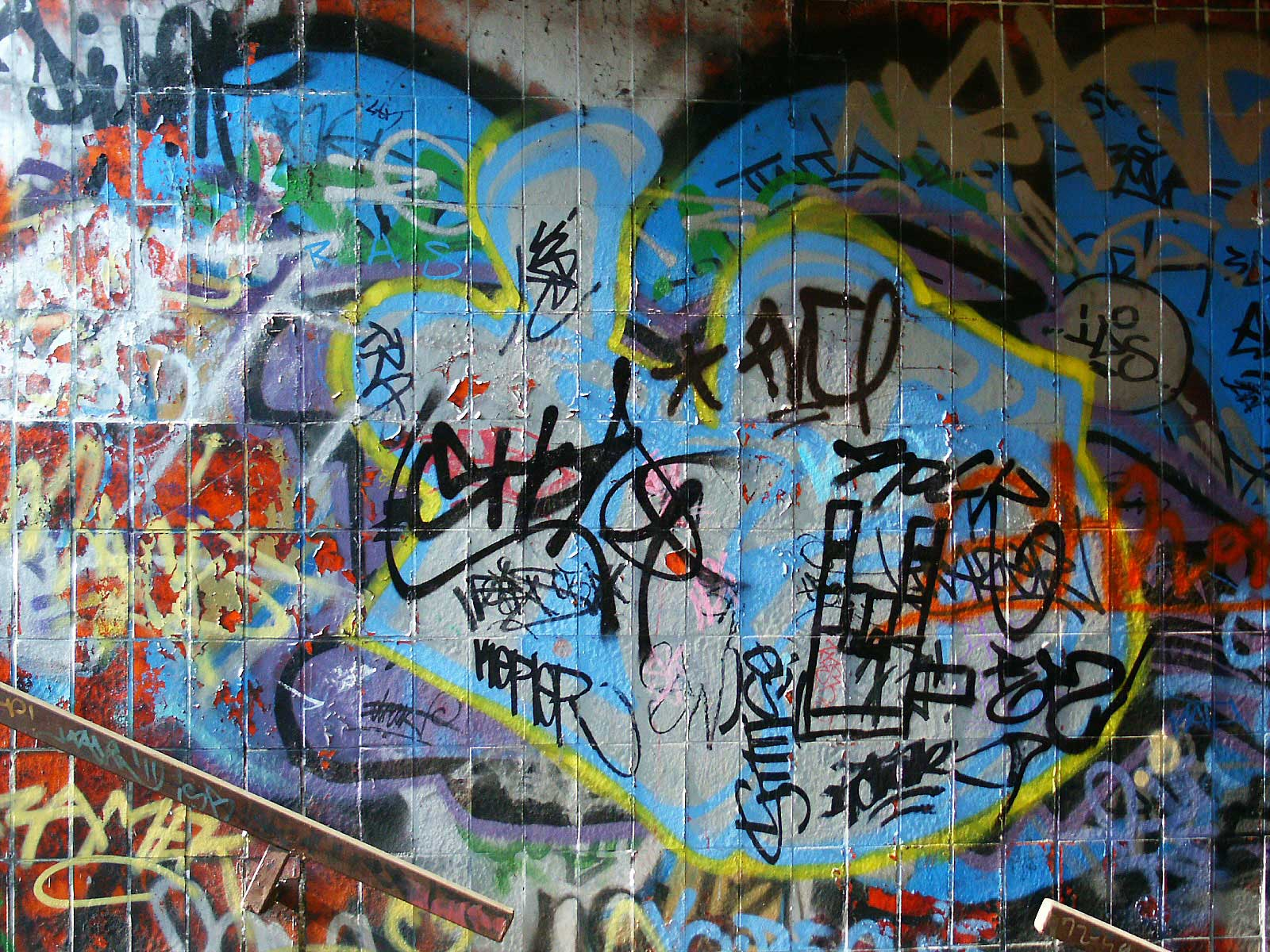 hip hop the link between hip hop culture and graffiti occurs as early 1600x1200