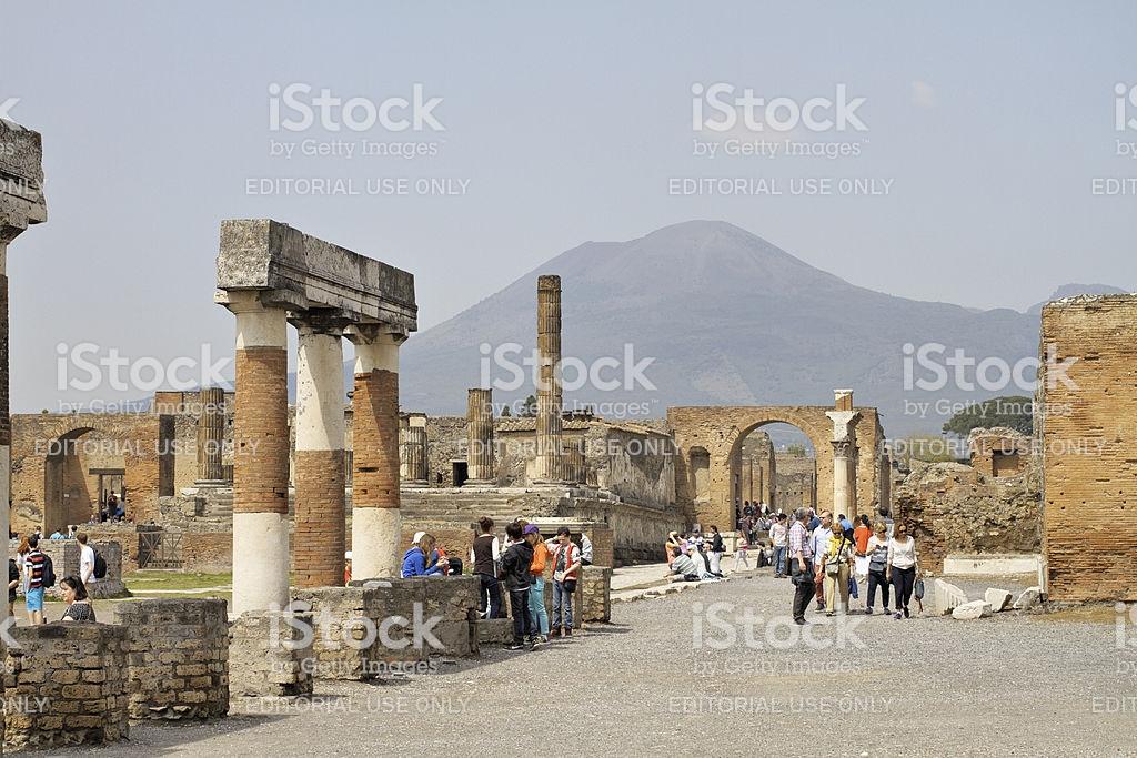Pompeii Peoples Forum With Vesuvius Background Stock Photo More 1024x683