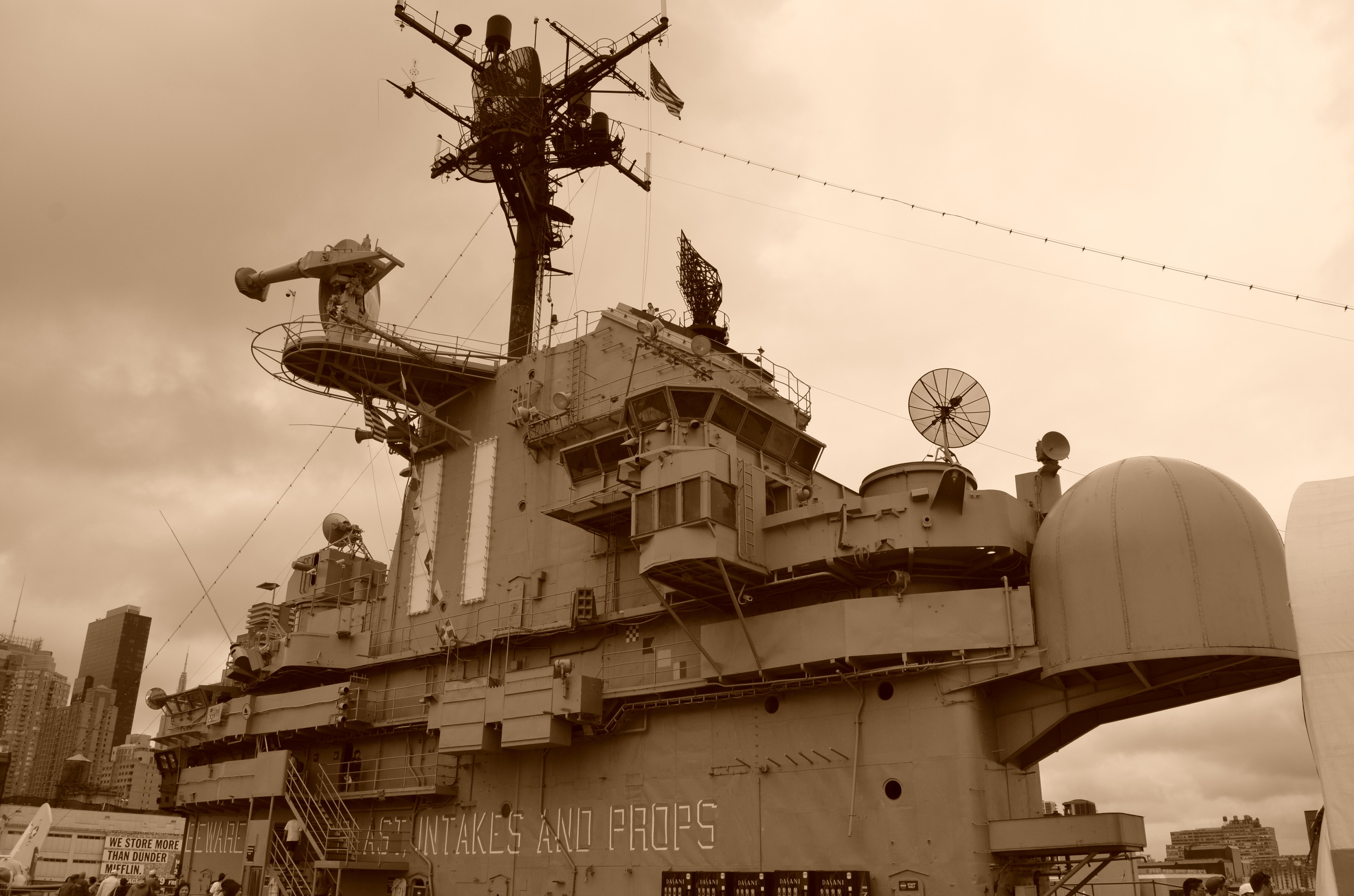 brown intakes and props ship image Peakpx 4928x3264