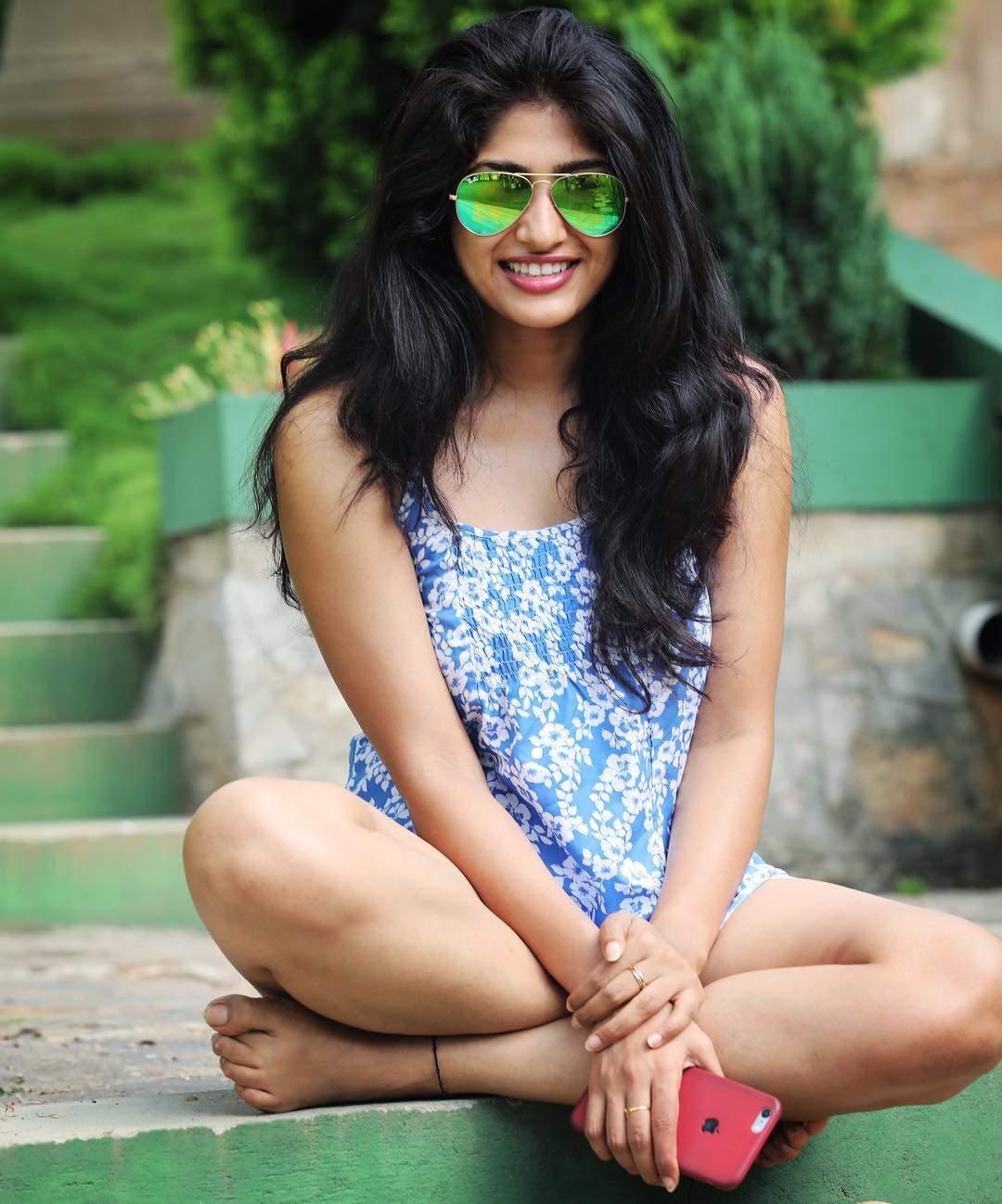 Pics Bucket Actress Roshini Prakash Latest HD Photos and wallpapers 1080x1298