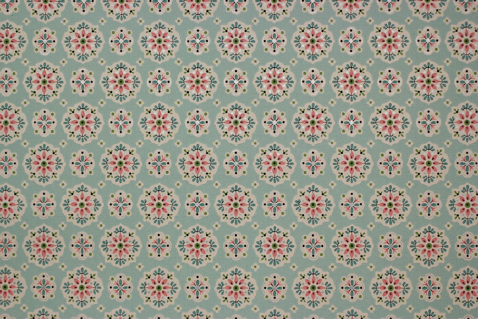 wwwistockresellercomwhite vintage wallpaper stock photo 18593516 1600x1067