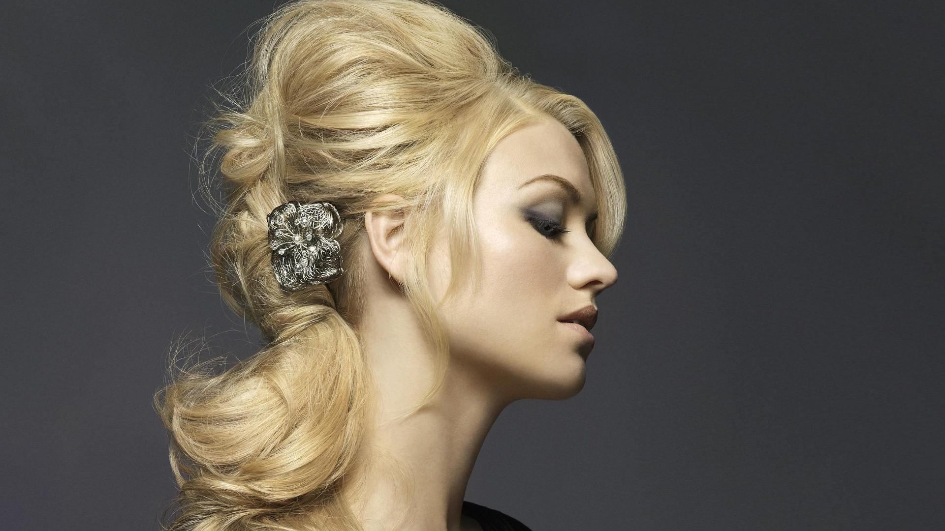 Stunning Yvonne Strahovski 22741 1920x1080 px 1920x1080