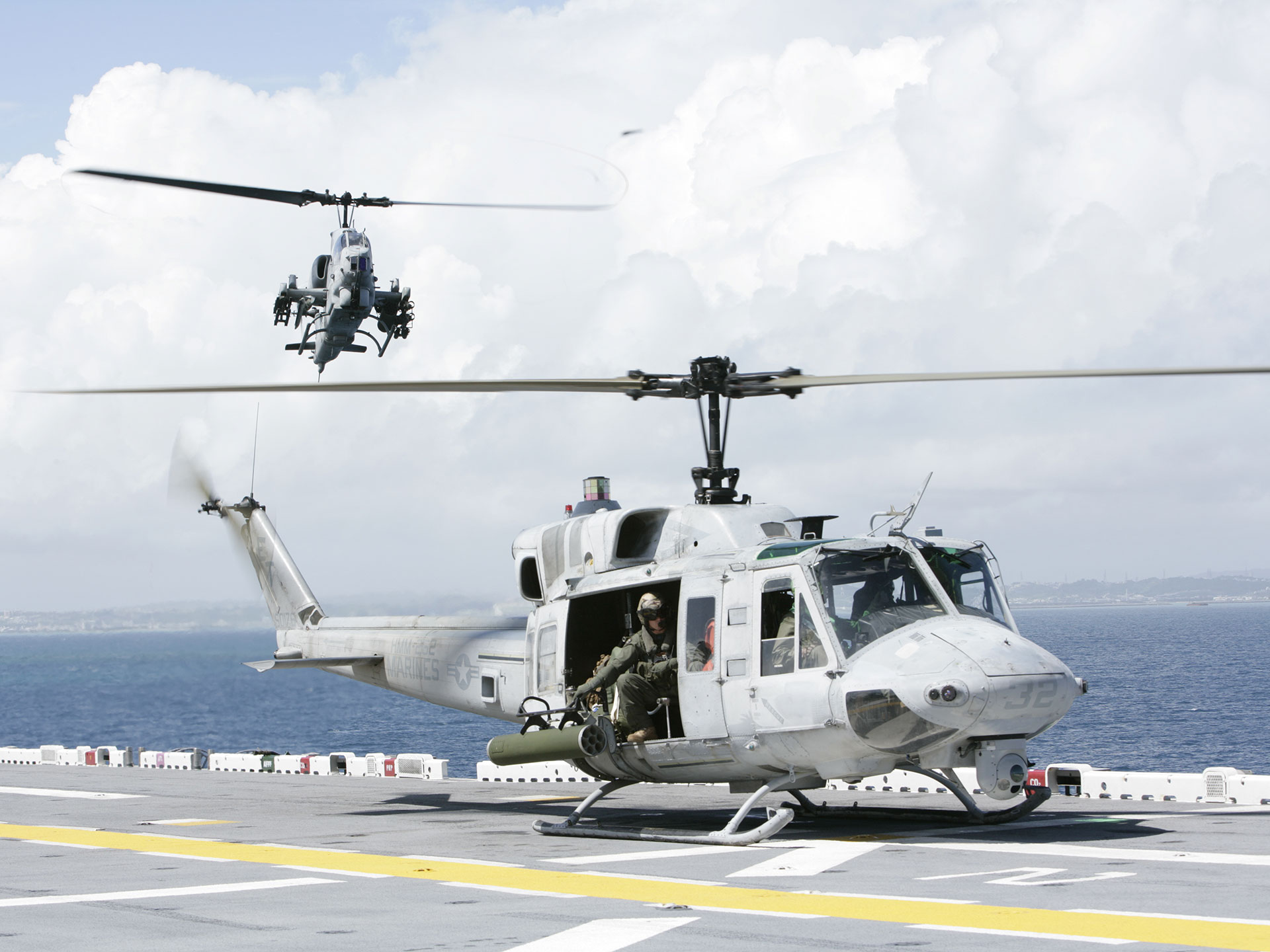 Awesome Army Helicopter Wallpaper Desktop 635 Wallpaper with 1920x1440 1920x1440