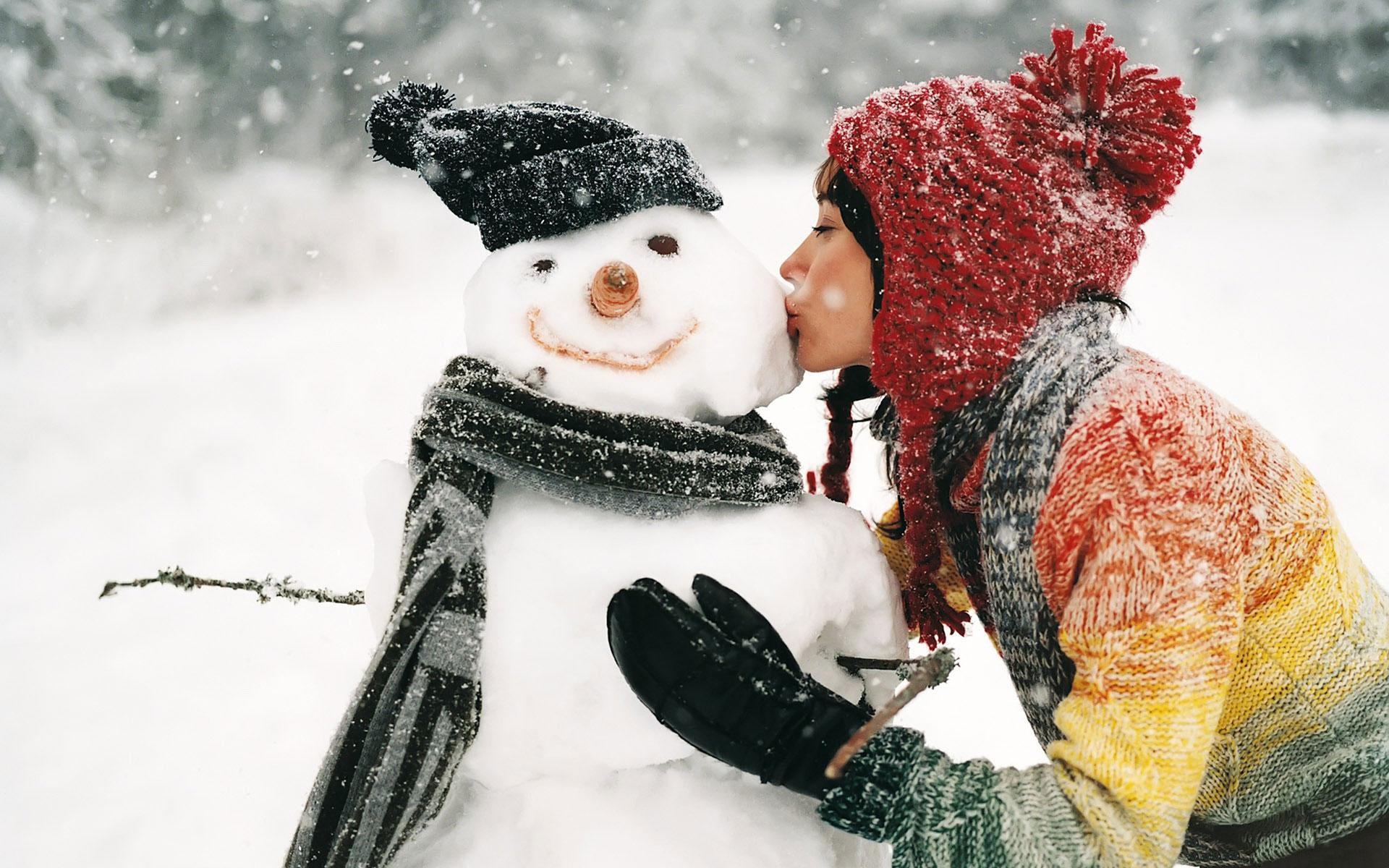 International Kissing Day Wallpapers   Girl Kissing Snowman Hd 1920x1200