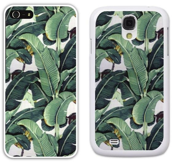 The Beverly Hills Hotel Iconic Martinique Banana Leaf Wallpaper Cell 570x531
