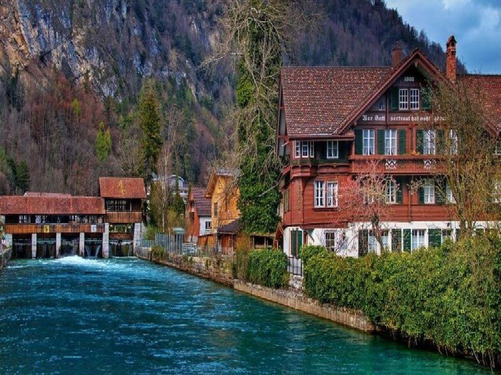 Interlaken City Switzerland Wallpaper Hd Wallpapers Backgrounds 1024x768