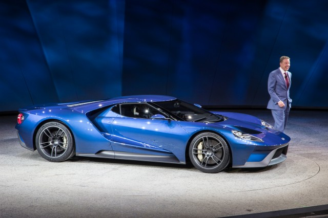 New Ford GT Supercar Revealed At 2015 Detroit Auto Show Car 640x426