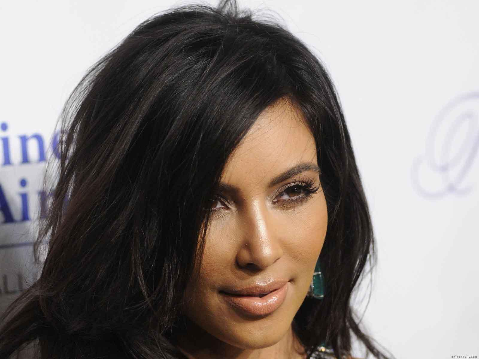 Kim Kardashian Wallpaperjpg 1600x1200