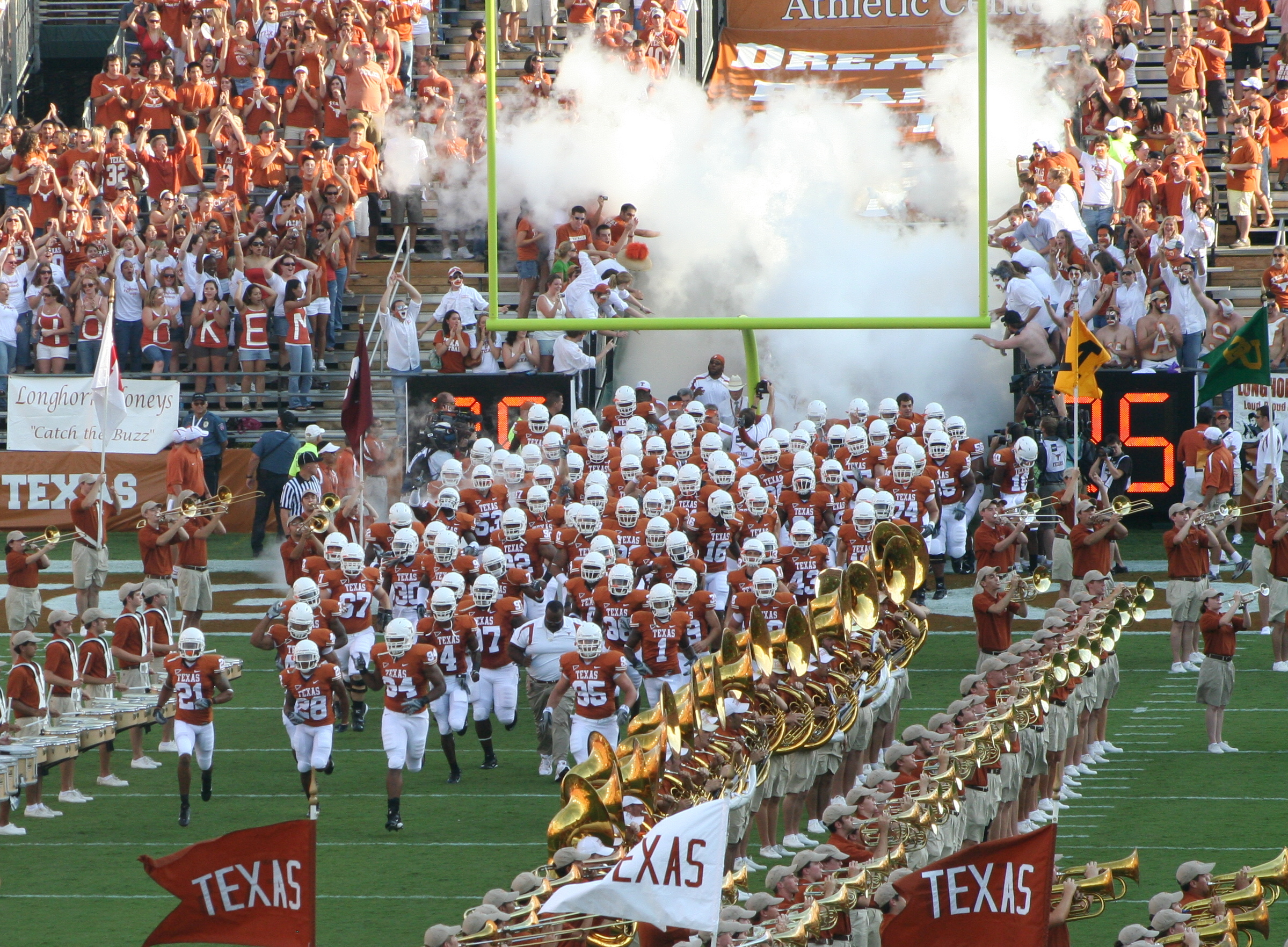 Texas Longhorns Football Team HD Wallpaper for your desktop background 2399x1763